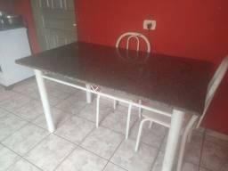 Vende-se uma mesa de mármore