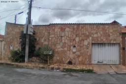 Casa para Venda em Cuiabá, Altos do Coxipó, 3 dormitórios, 1 suíte, 2 banheiros, 2 vagas