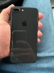 IPhone 8Plus 256GB Preto sem detalhes.
