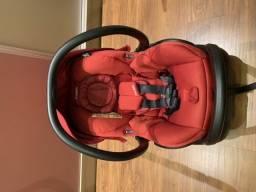 Carrinho de bebê Quinny + bebê conforto Maxi-Cosi com base com Isofix