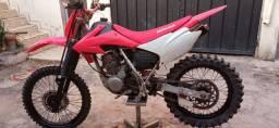 Moto Trilha Xr 200 top