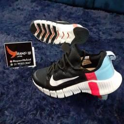Título do anúncio: Tênis Nike Matcon running mega promoção apenas n:40