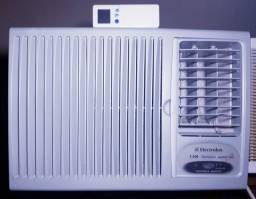 Ar Condicionado Electrolux 7500 BTUs Com Controle Remoto