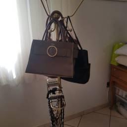 Cabideiro de bolsas e bijuterias