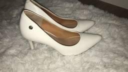 Scarpin branco tamanho 36