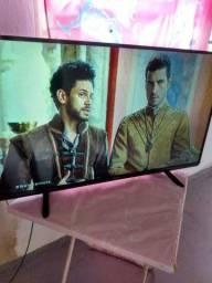 Tv led Panasonic 40 seminova.