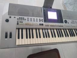 teclado s700 semi novo poucas marcas de uso