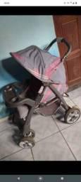 Vendo carrinho de bebê por 200