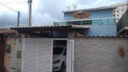 Casa em condomínio de 3 quartos/2 suítes, churrasq. e piscina - Outeiro da Pedras/Itaboraí