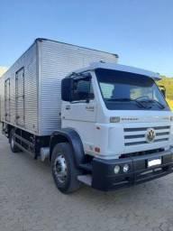 Caminhão baú 15-190
