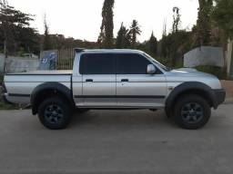 L200 Outdoor HPE 2010 Manual EXTRA