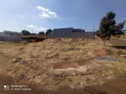 Terreno de Esquina a Venda- Jardim Interlagos 2