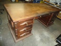 Mesa escrivaninha de madeira antiguidade