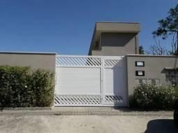 Casa em condomínio com ótima localização