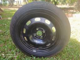 Roda com pneu meia vida