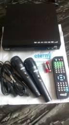Dvd Karaokê + 2 microfones c/ entrada usb e vga