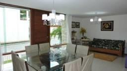 Casa em condomínio no centro do Cônego, com 05 quartos sendo 02 suítes
