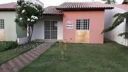 Vendo casa Condomínio Fechado
