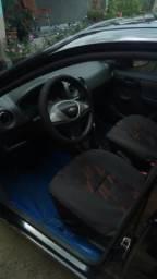 Vendo carro com parcela - 2013