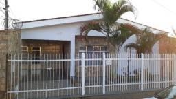 Vende-se casa em Guaxupé - MG