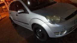 Fiesta 2006.7 vende se ou troca