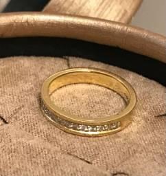 Anel de ouro e diamante ?