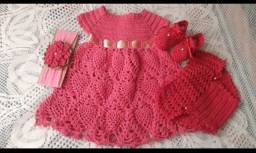 Vestido rosa de crochê para bebê de 3 a 6 meses