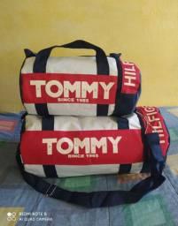 2 Bolsas da Tommy por 50 Reais