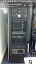 Rack aberto para servidor + 2 monitores CRT
