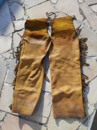 Calça de couro para peão