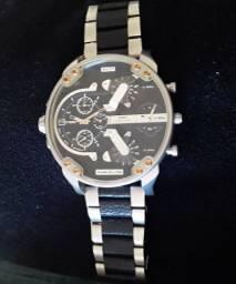 Lindo relógio Diesel DZ7349