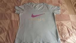 Camiseta Nike azul claro