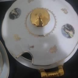 Jogo de jantar de porcelana