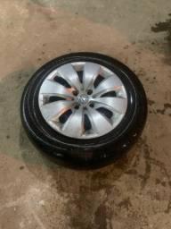 Vendo aro de ferro 15 com 4 pneus meia vida