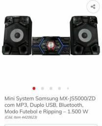 Mini System Samsung com MP3 Duplo USB, Bluetooth