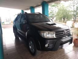 Hilux SW4 4X4 automática 3.0 Diesel- 7 lugares