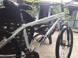 Bicicleta monaco com freio a disco