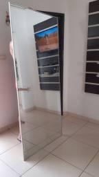 Espelho 1,80 altura, 80 cm largura.