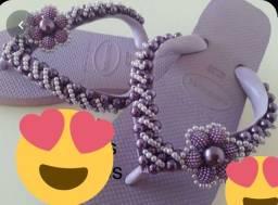 Sandálias bordadas com perolas