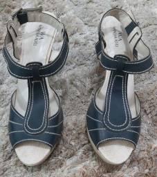 Sandália Azul estilo Peep Toe