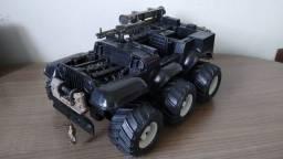 Jeep Defender do Boneco Rambo