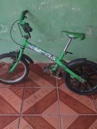 Vendo essa bicicleta tá muito pequena pra o meu folho