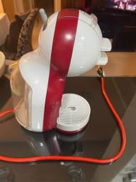 Cafeteira Dolce Gusto - R$ 250,00