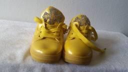 Sapatos menina de 2  anos  numero 25 de marcas famosas usado