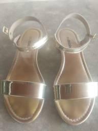 Sandália Dourada Molekinha