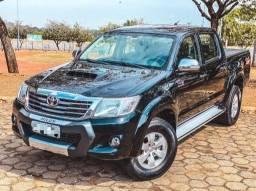 Título do anúncio: Hilux SRV 4x4 Diesel 2014