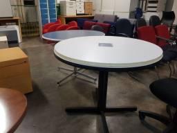 Mesa para reunião redonda usada em Jundiaí