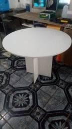 Mesa pra escritório e mesa redonda em MDF