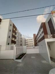 Apartamento com Elevador e piscina no Bancários, 02 quartos com suíte.