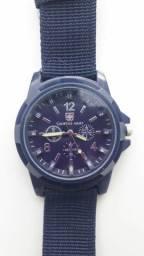 Relógio masculino casual. AZUL.